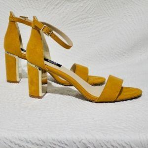 Jones New York Signature Orange Suede Heels 7.5